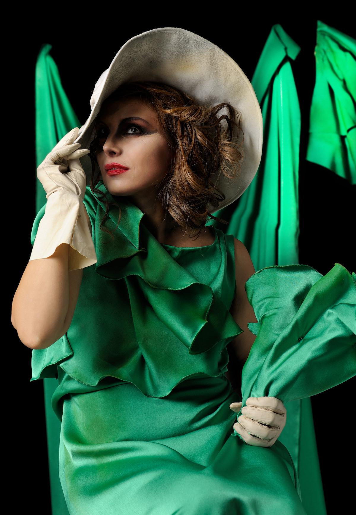 foto-calendario-donna-abito-verde-rsibilano