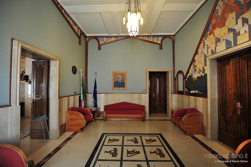 foto-palazzo-acquedotto-pugliese-bari-arredi-decorazioni-rsibilano-06
