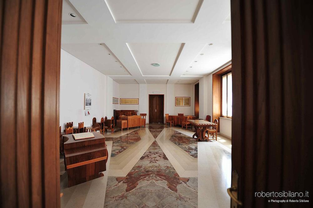 foto-palazzo-acquedotto-pugliese-bari-arredi-decorazioni-rsibilano-12