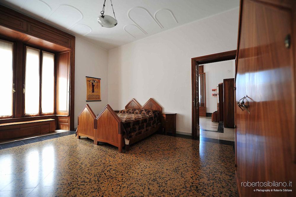 foto-palazzo-acquedotto-pugliese-bari-arredi-decorazioni-rsibilano-13
