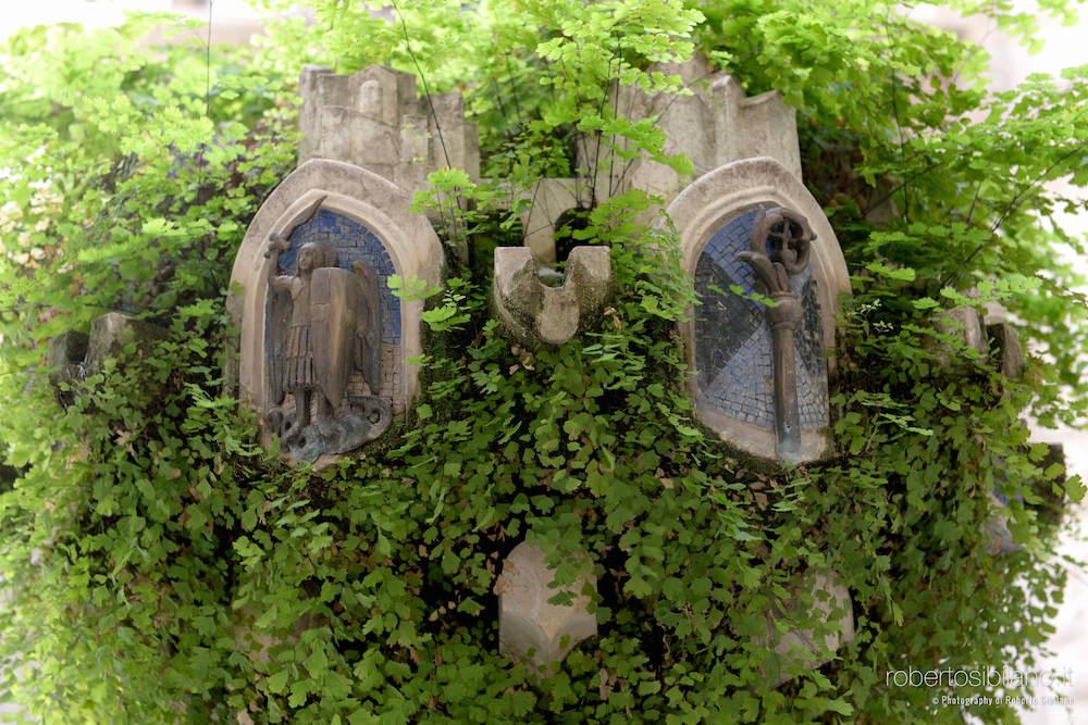 foto-palazzo-acquedotto-pugliese-bari-arredi-decorazioni-rsibilano-34